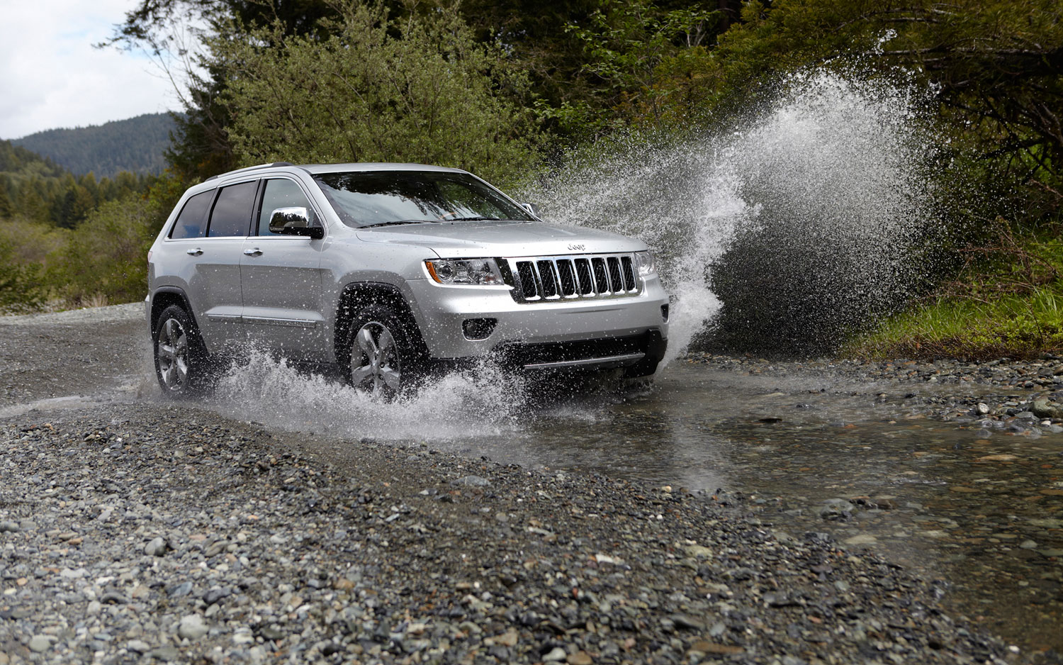 2012 Jeep Grand Cherokee Going Through Stream1