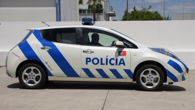 2012 Nissan Leaf Portuguese Police Car Profile1 660x374