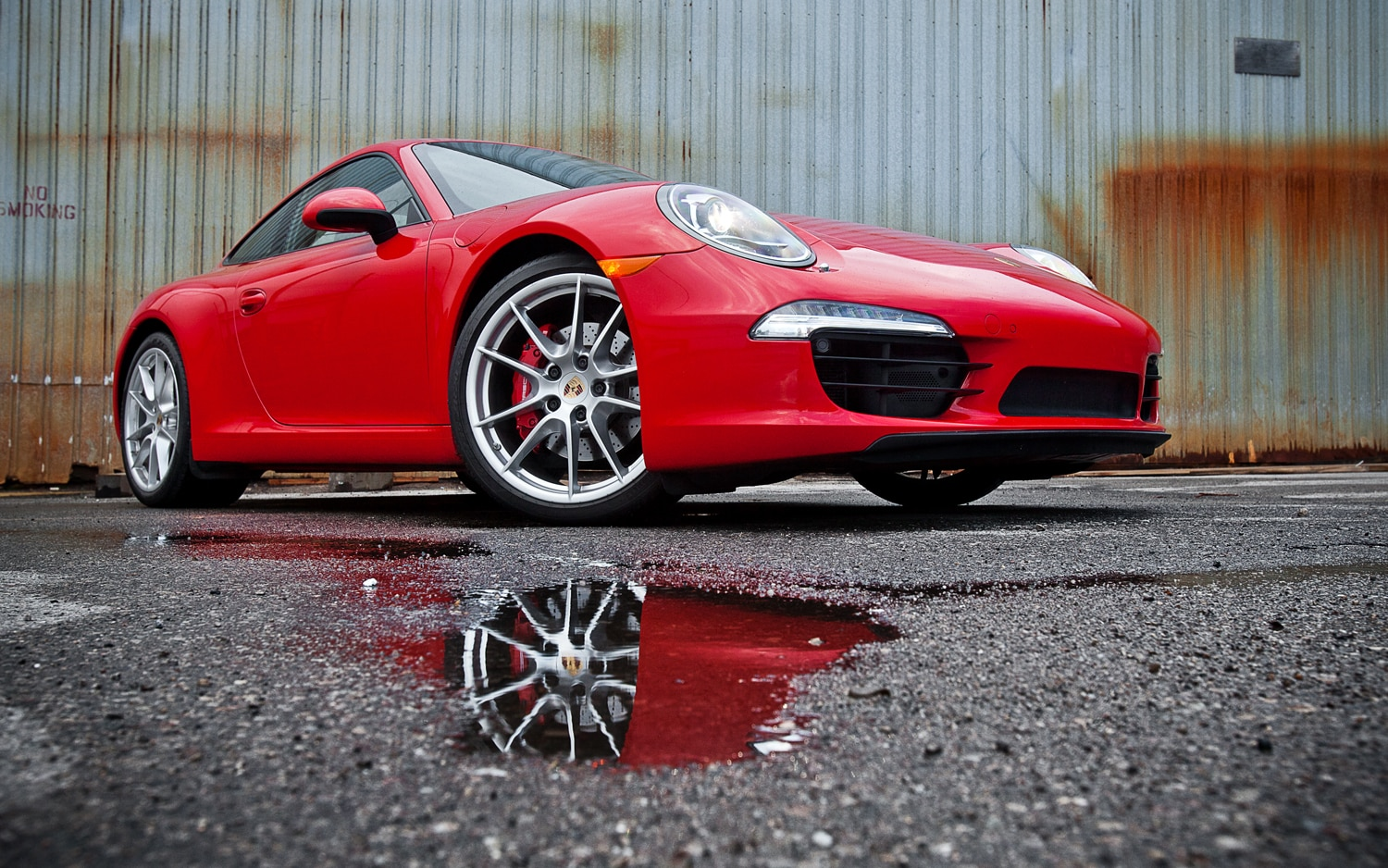 2012 Porsche 911 Carrera S Front Right View1