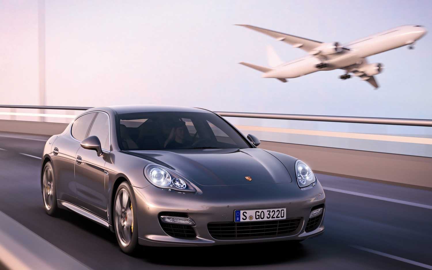 2012 Porsche Panamera Turbo S Front Three Quarter1