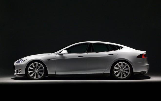 2012 Tesla Model S Left Side View1 660x413