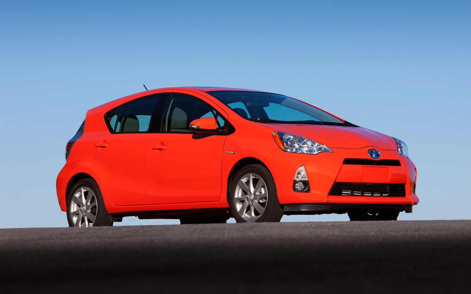 2012 Toyota Prius C Front Right Side View 21