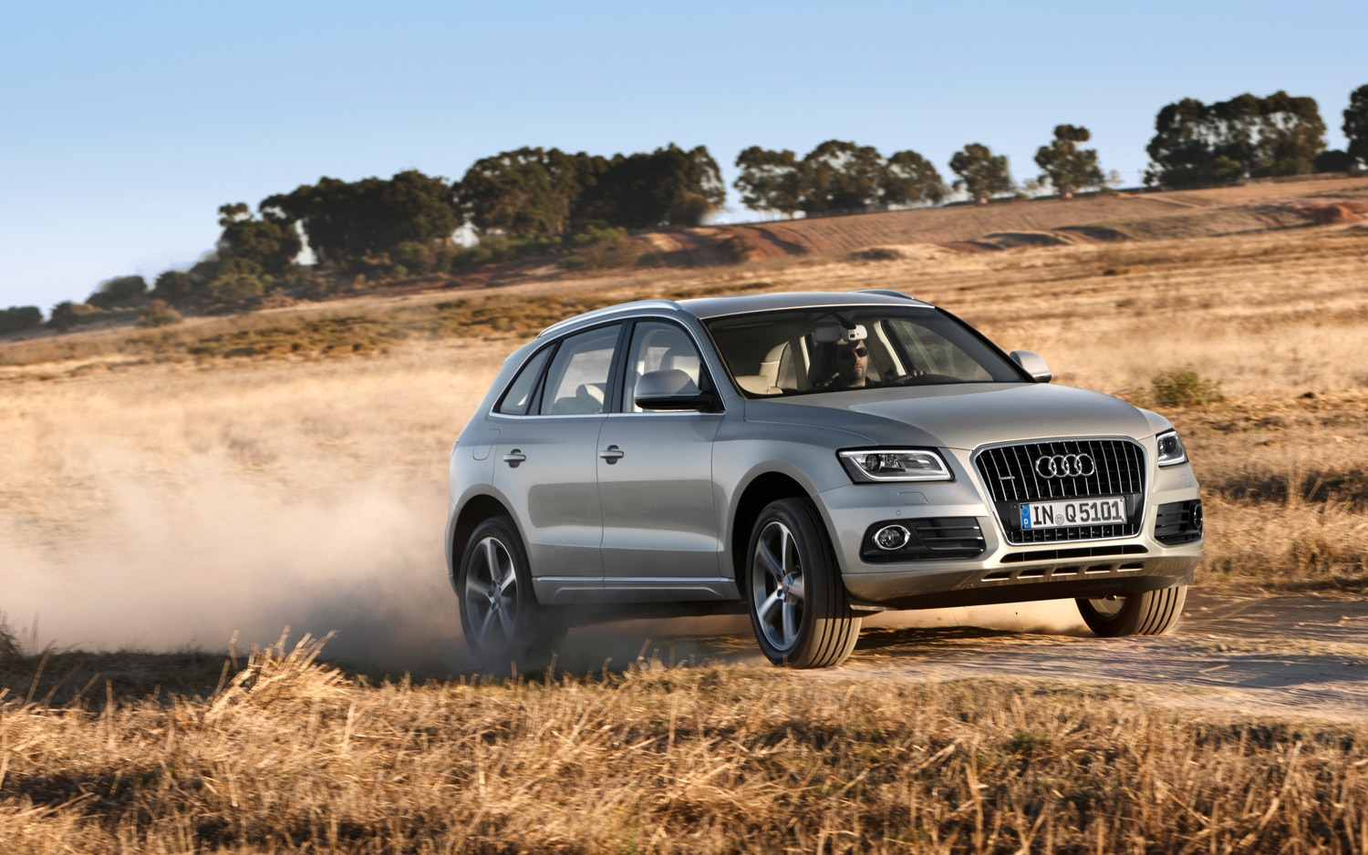 2013 Audi Q5 Front Right Side View1