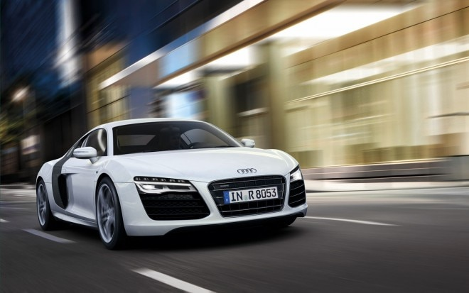 2013 Audi R8 Front Three Quarter111 660x413