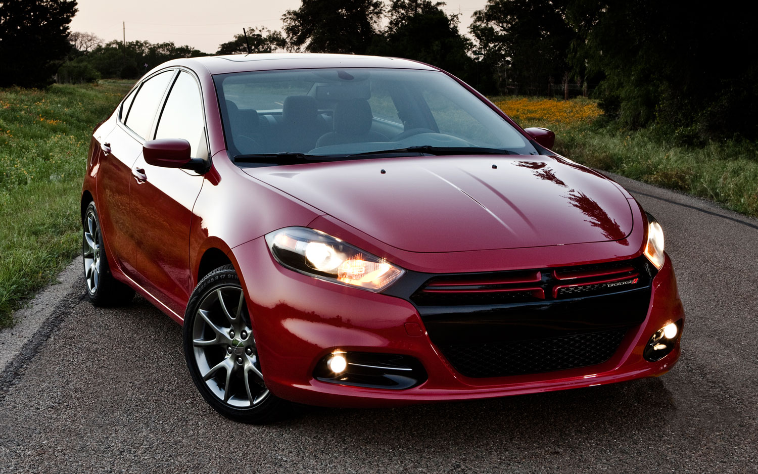 2013 Dodge Dart Rallye Turbo Front View 1