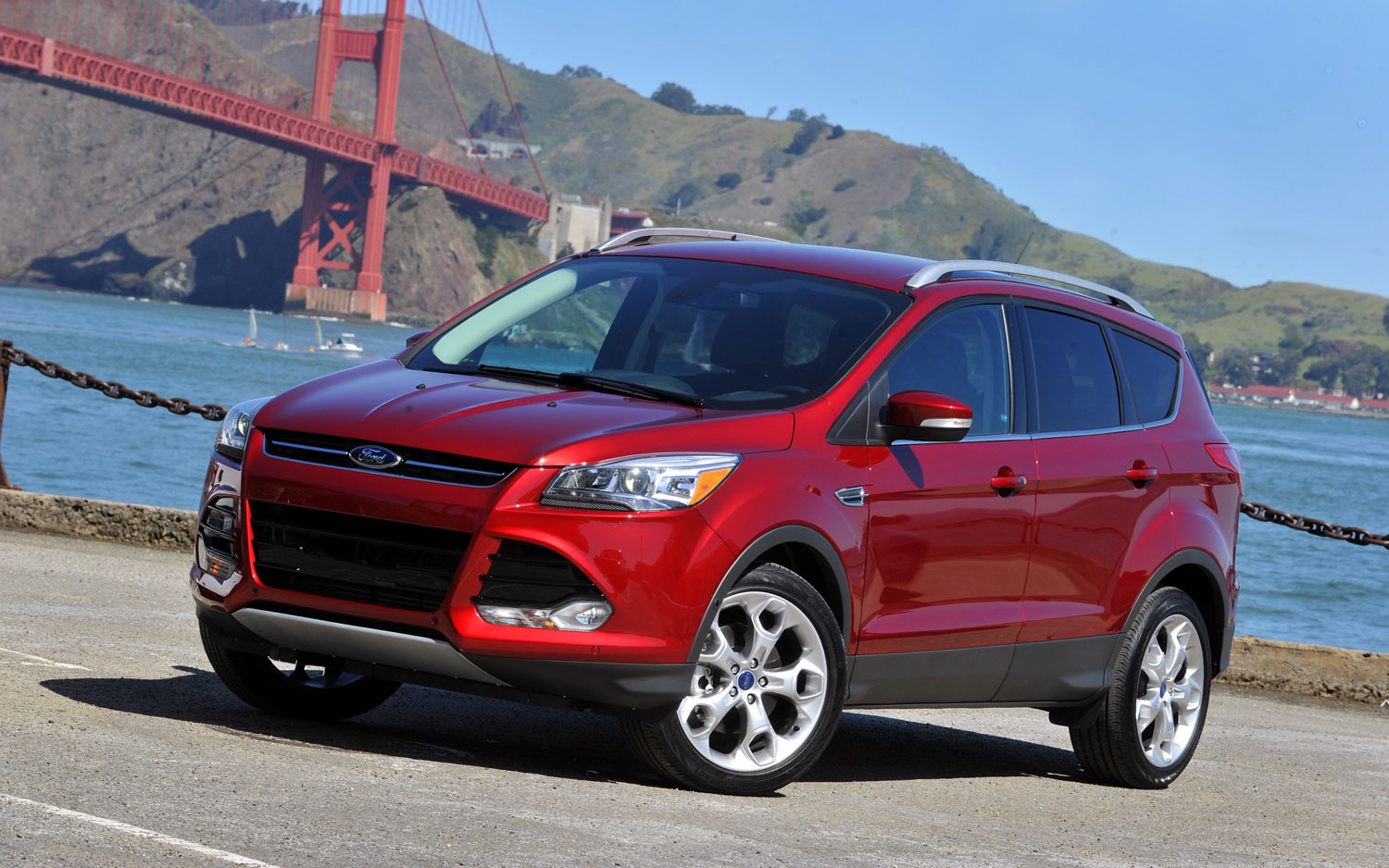2013 Ford Escape Fron Three Quarter View Drivers Side1