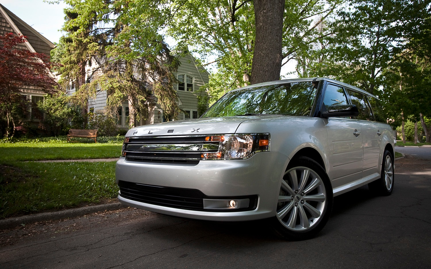 2013 Ford Flex SEL Front Left View2