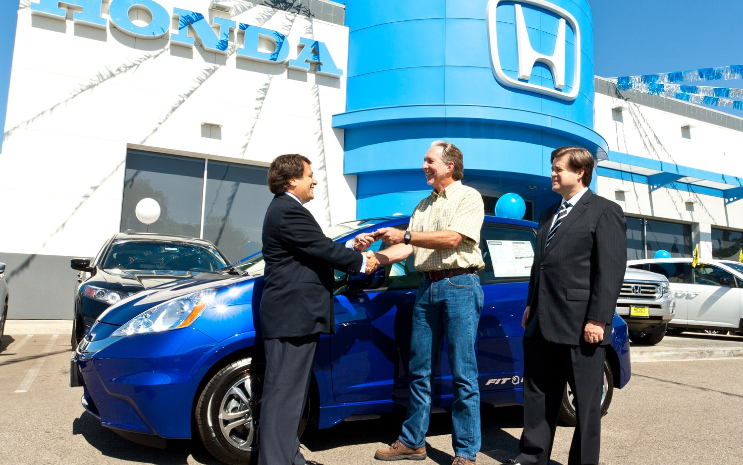 2013 Honda Fit EV With First Customer 21