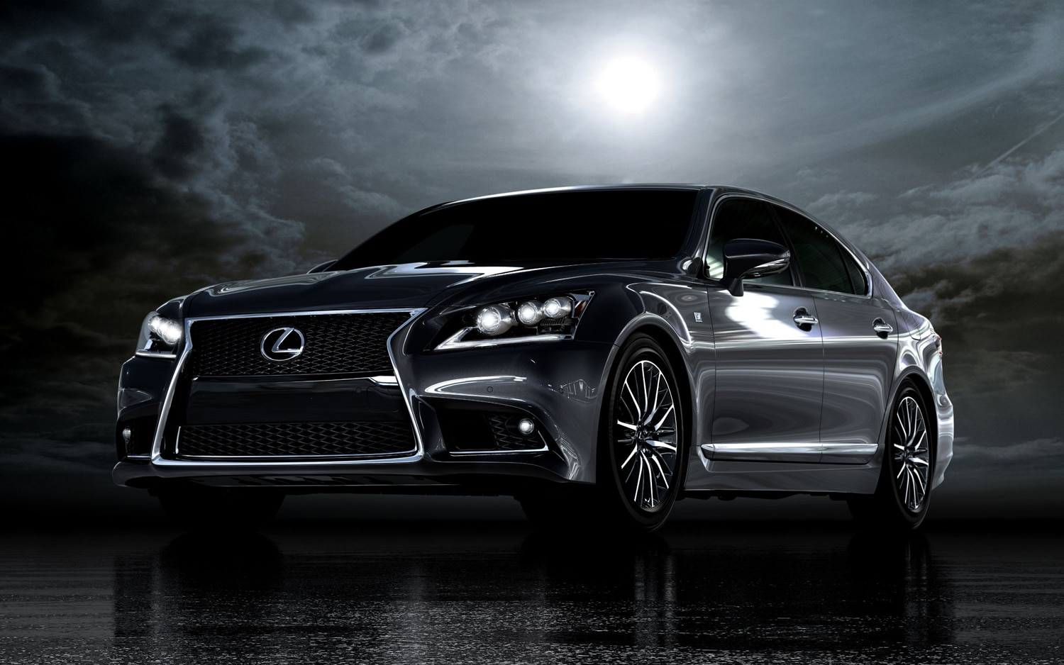 2013 Lexus LS 460 F Sport Front Three Quarter 21