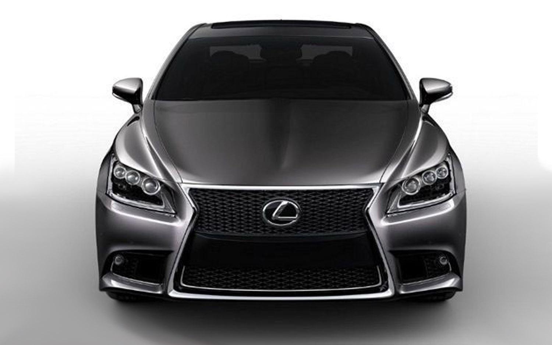 2013 Lexus LS Front View1