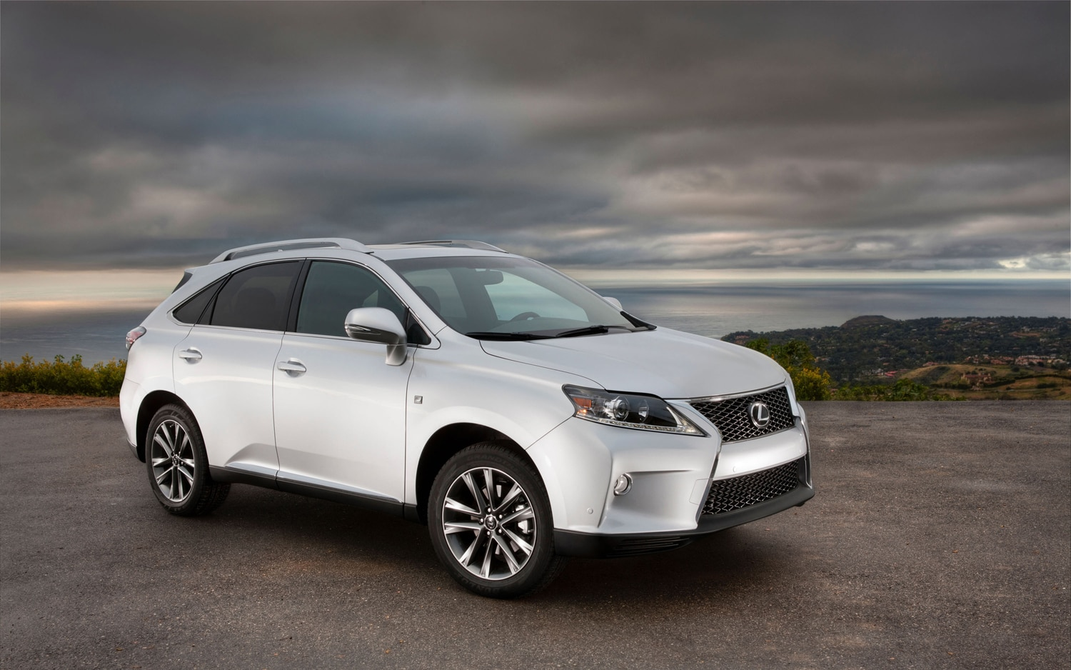 2013 Lexus RX F Sport Front Three Quarter1
