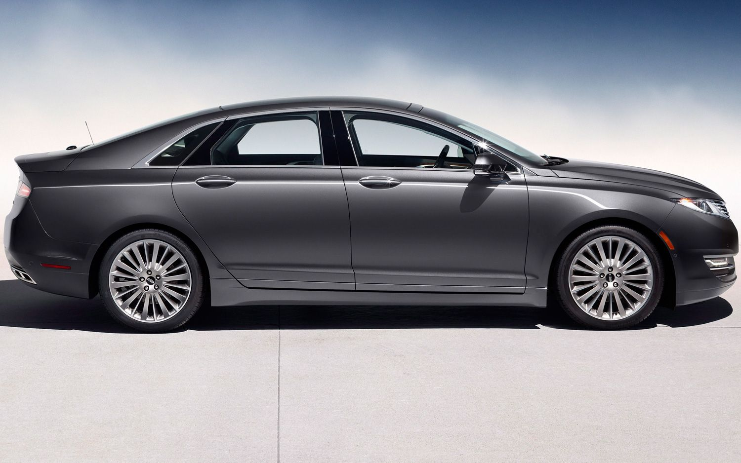 2013 Lincoln MKZ Side1