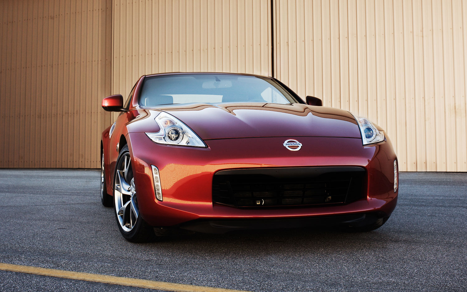 2013 nissan 370z mild revisions coupled with a mild price hike. Black Bedroom Furniture Sets. Home Design Ideas