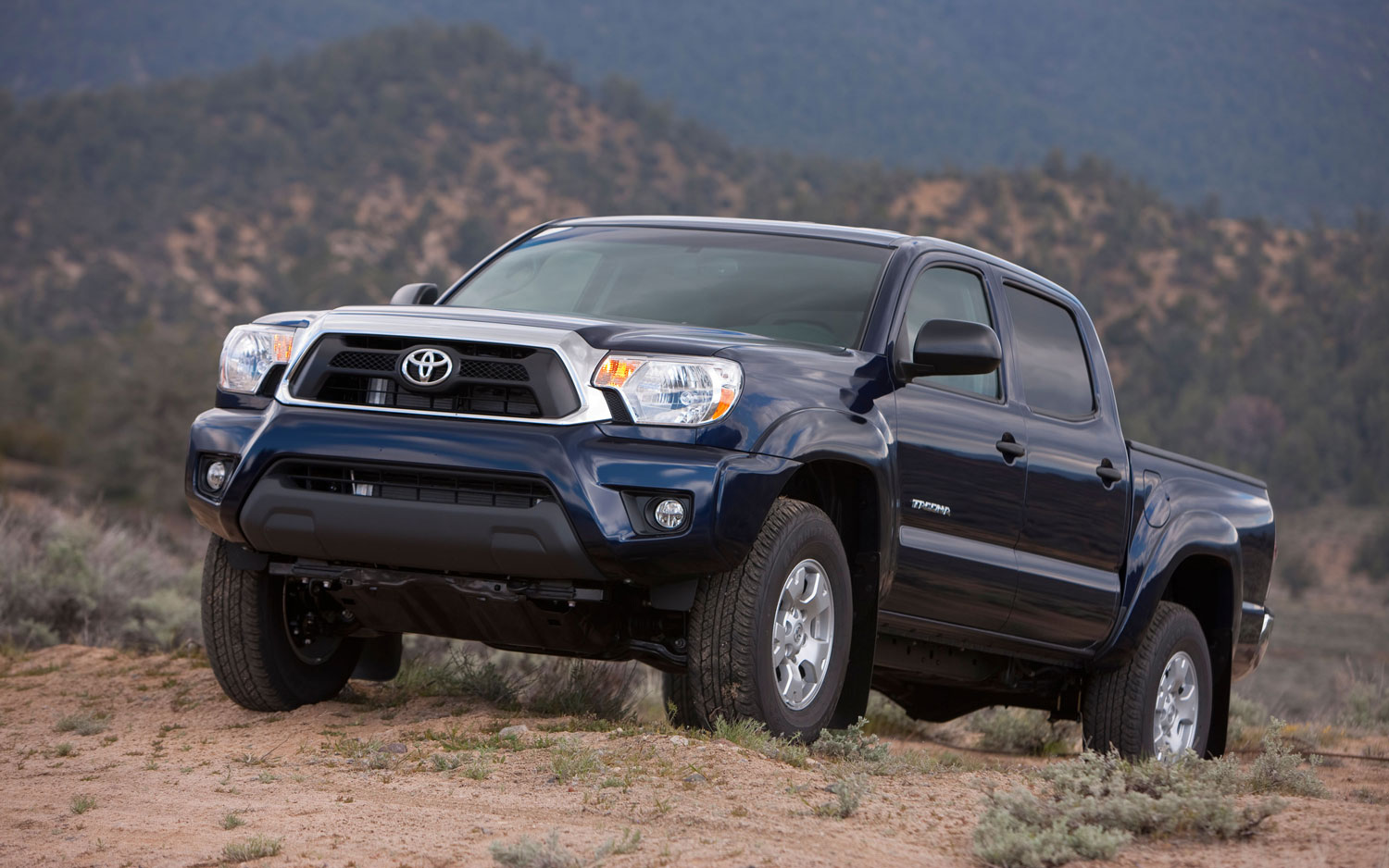 2013 Toyota Tacoma Front Side View1