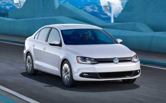 2013 Volkswagen Jetta Hybrid Right Front1 660x413