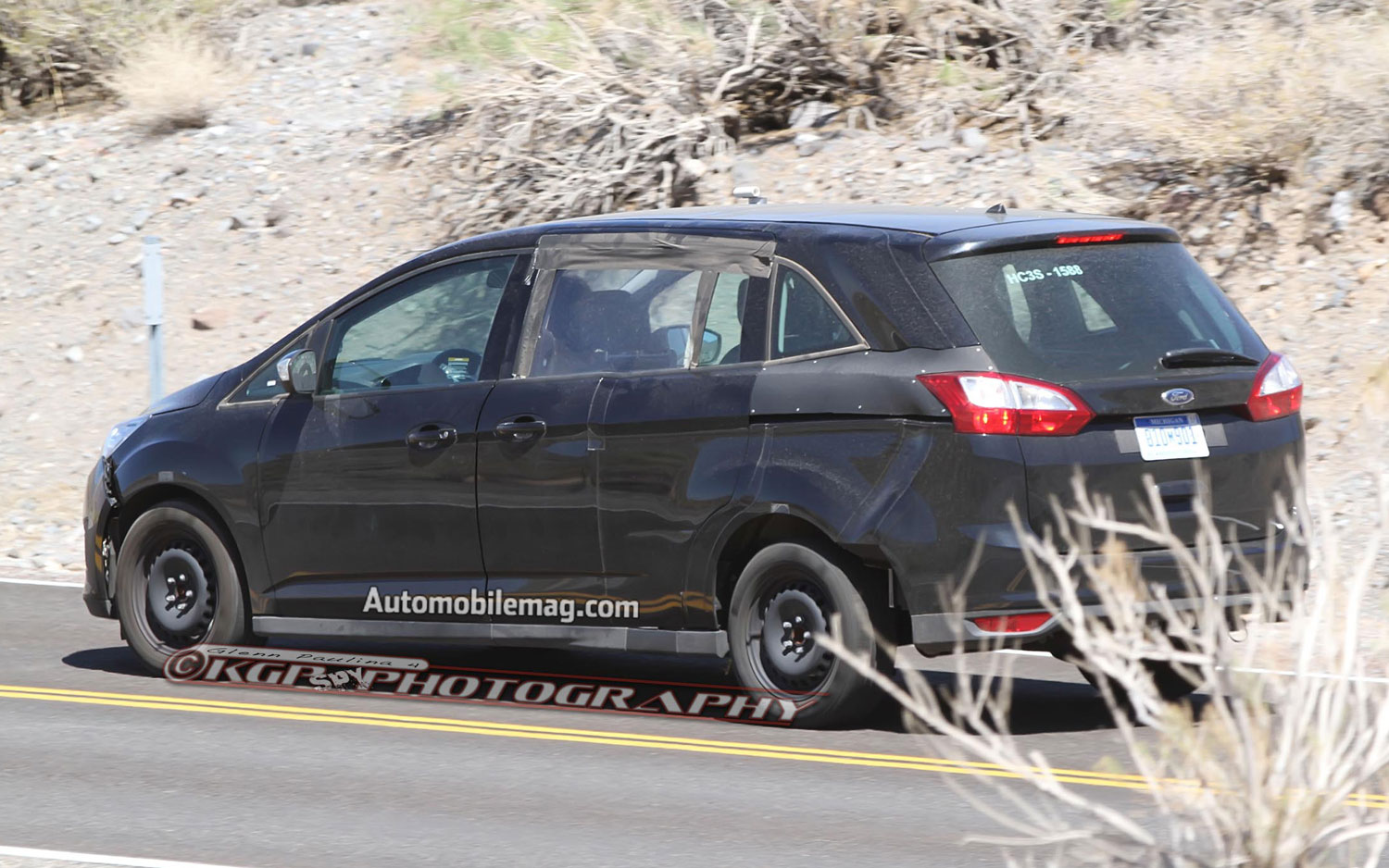 spied next gen ford s max spied testing in america. Black Bedroom Furniture Sets. Home Design Ideas