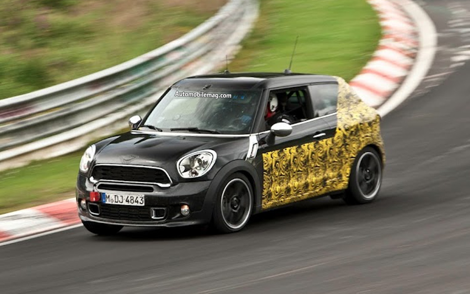 2014 Mini Cooper S Paceman Front Three Quarter Motion1