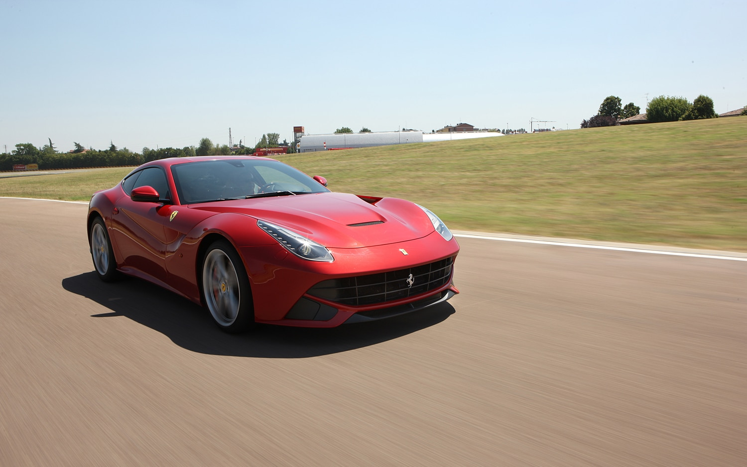 Ferrari F12 Berlinetta Front Three Quarter In Motion 31
