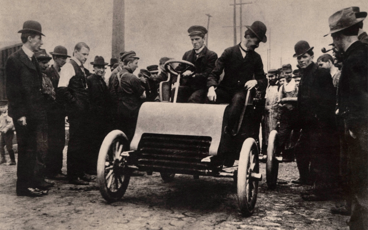 1902 Cadillac Prototype In Crowd1