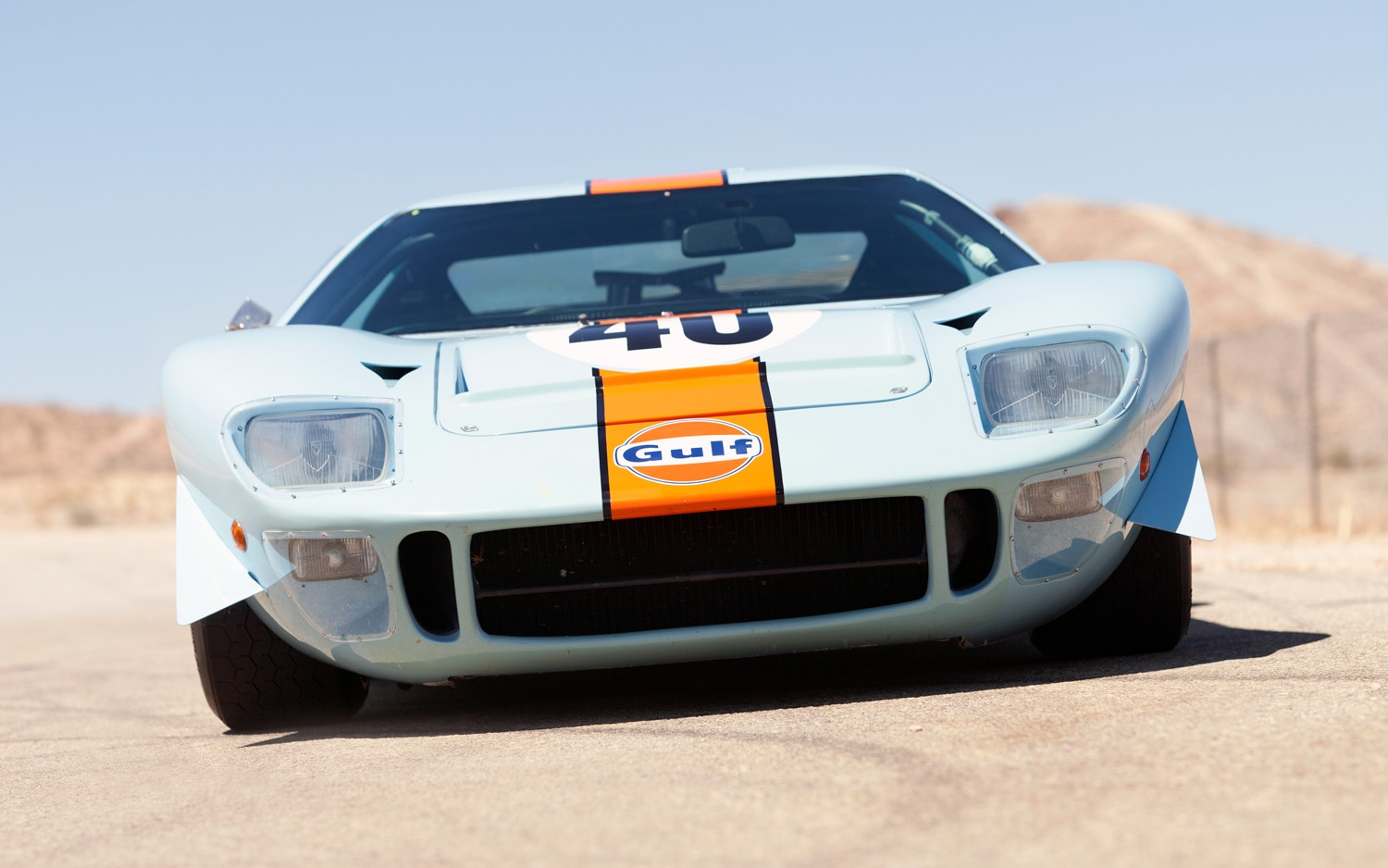 1968 Ford GT40 Gulf Mirage Front1