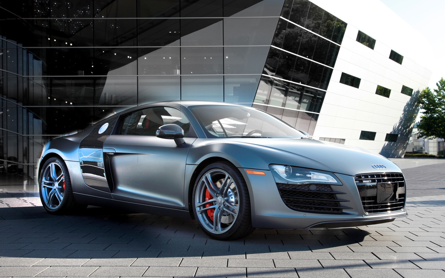2012 Audi R8 Exclusive Selection Edition V 8 Front Three Quarter Outside 21