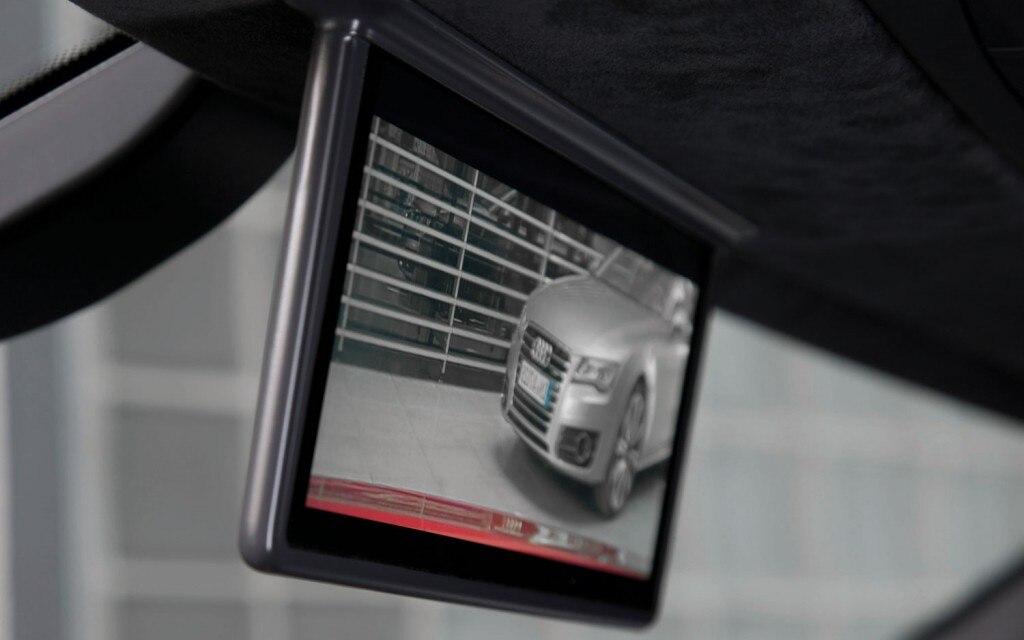 2012 Audi R8 E Tron Rear View Camera Screen 021