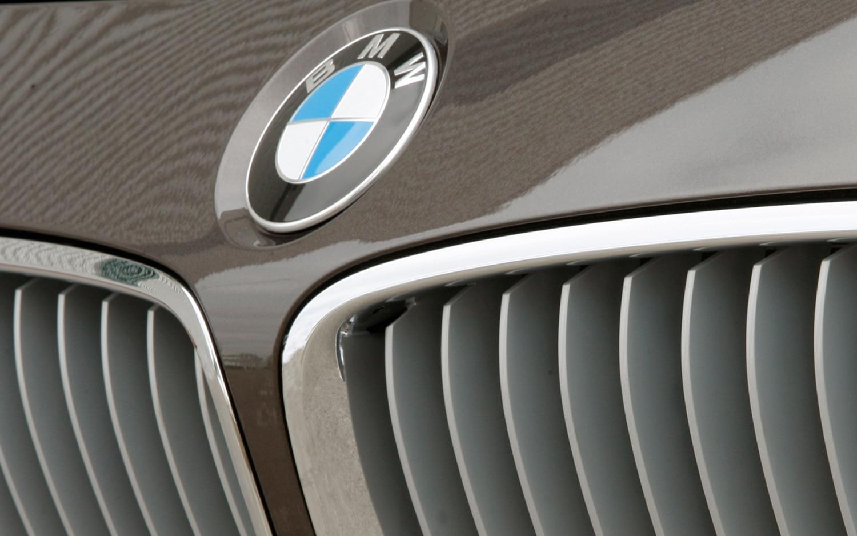 2012 BMW 328i Grille1
