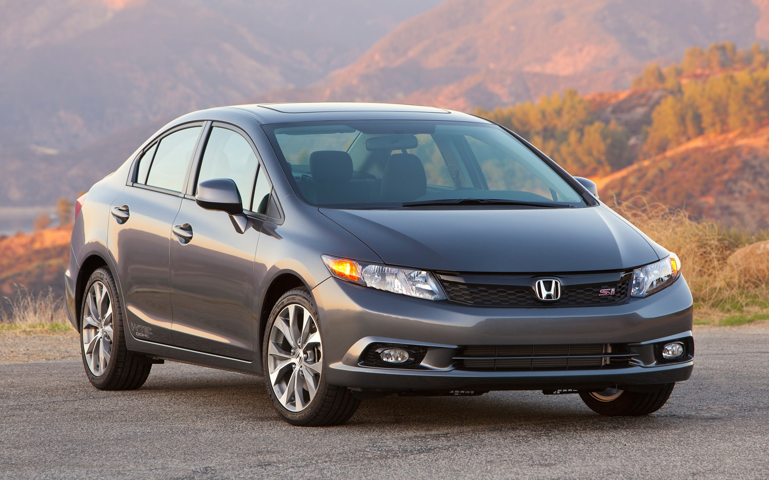 2012 Honda Civic Si Sedan Right Front 11