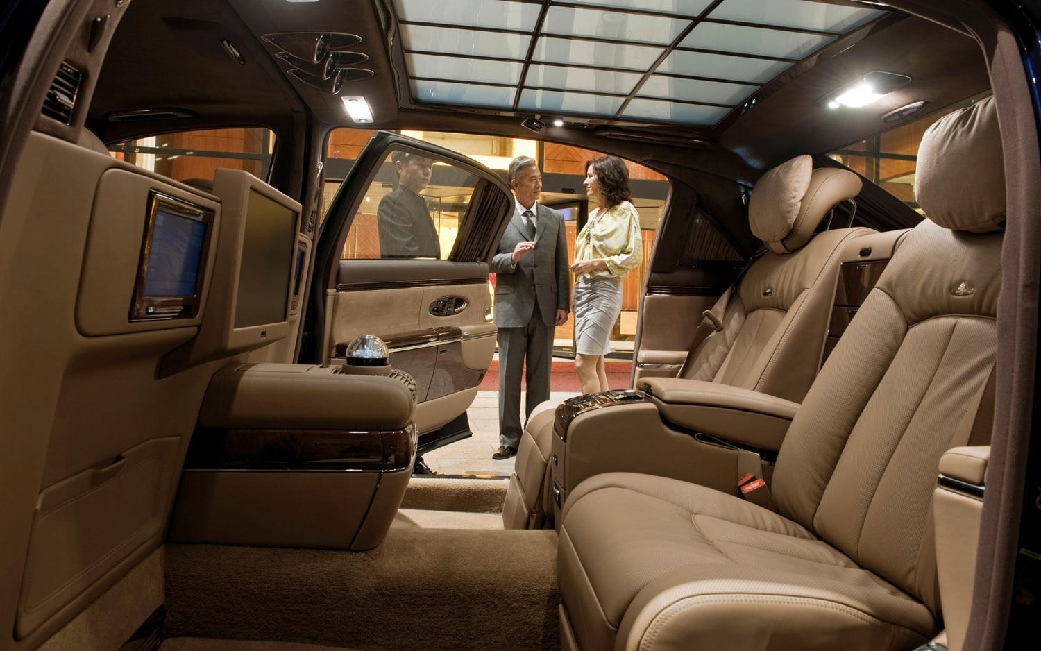 Daimler finally kills maybach will replace with stretched mercedes benz s class for Mercedes benz maybach interior