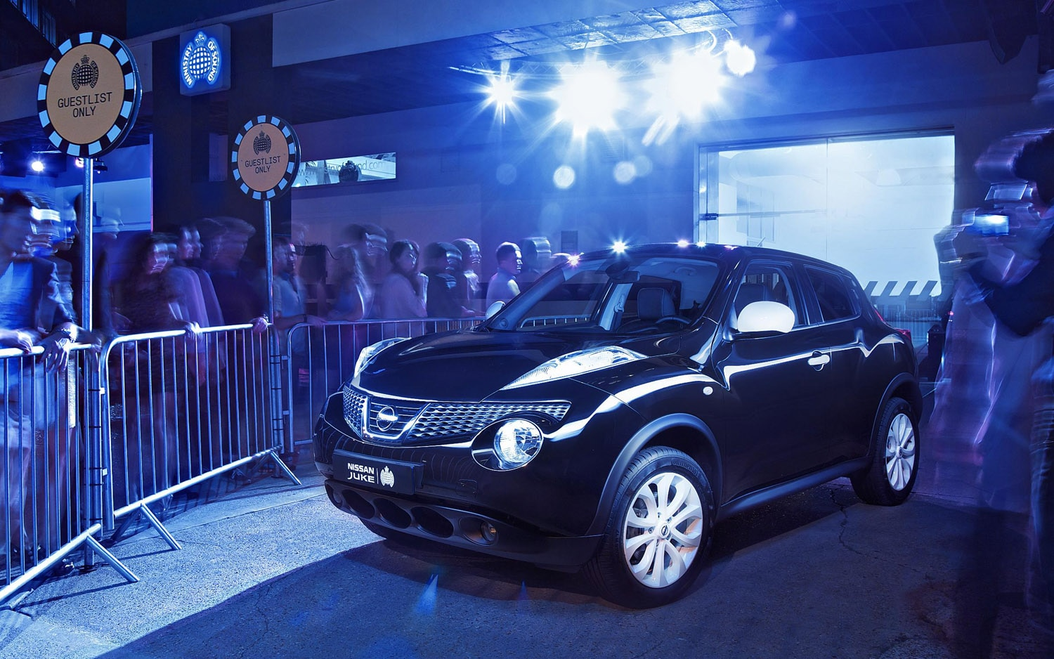2012 Nissan Juke Ministry Of Sound Front Three Quarter 21