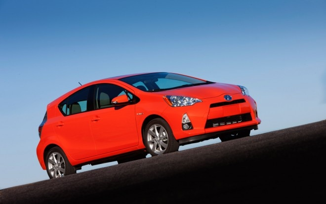 2012 Toyota Prius C Front Right Side View 3 660x413