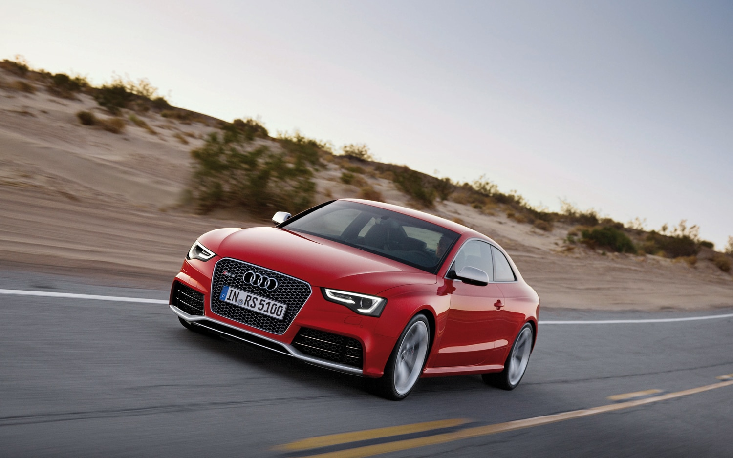 2013 Audi RS5 Front Left View 21