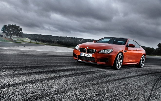 2013 BMW M6 Coupe Front Left View 21 660x413