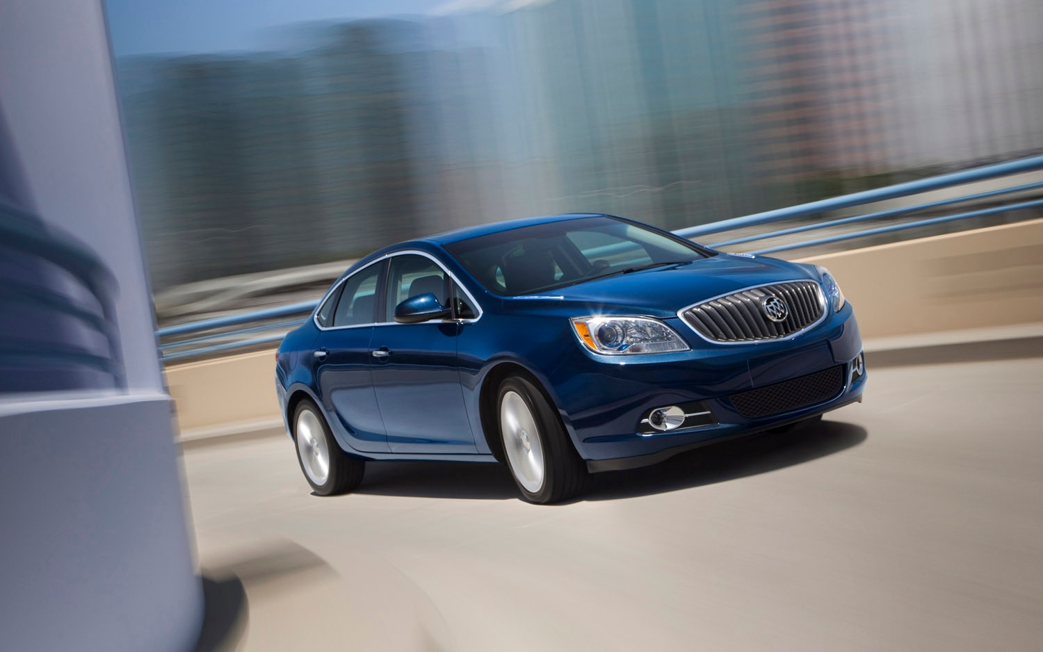 2013 Buick Verano Turbo Front Three Quarter1