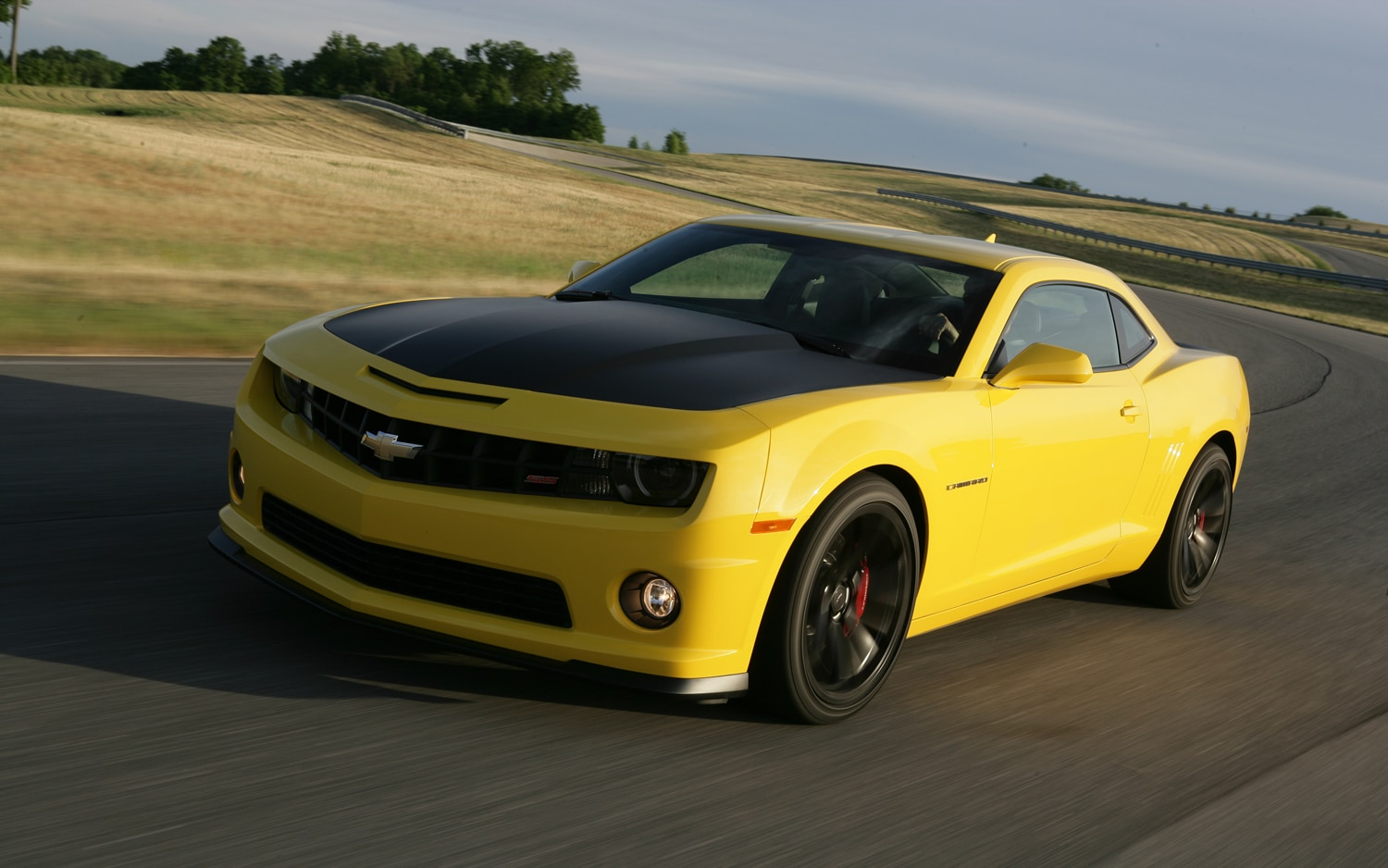 2013 Chevrolet Camaro 1LE Front Three Quarters In Motion 21