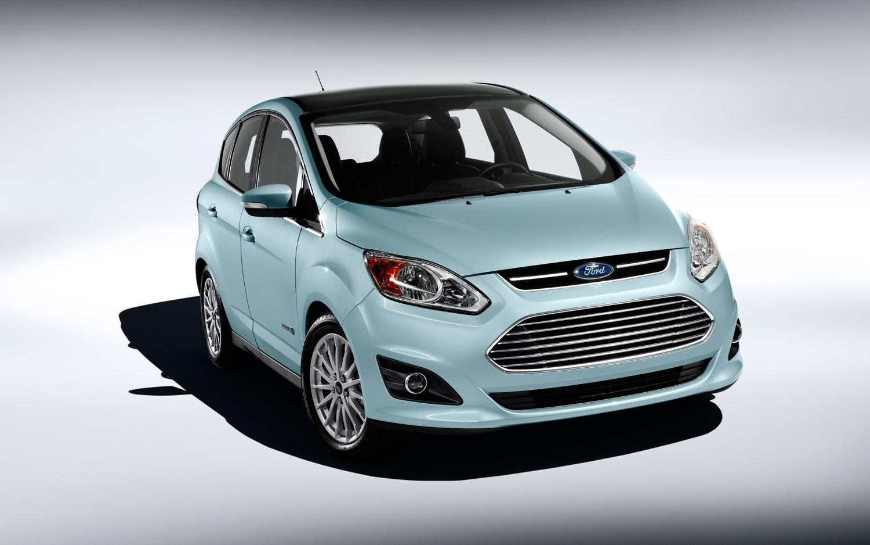 first drive 2013 ford c max hybrid automobile magazine. Black Bedroom Furniture Sets. Home Design Ideas