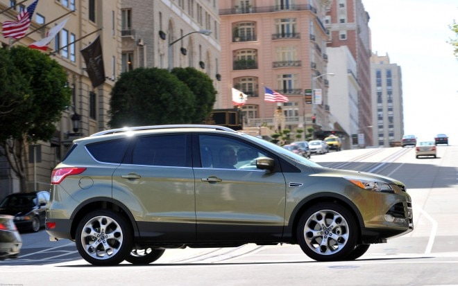 2013 Ford Escape Side View1 660x413
