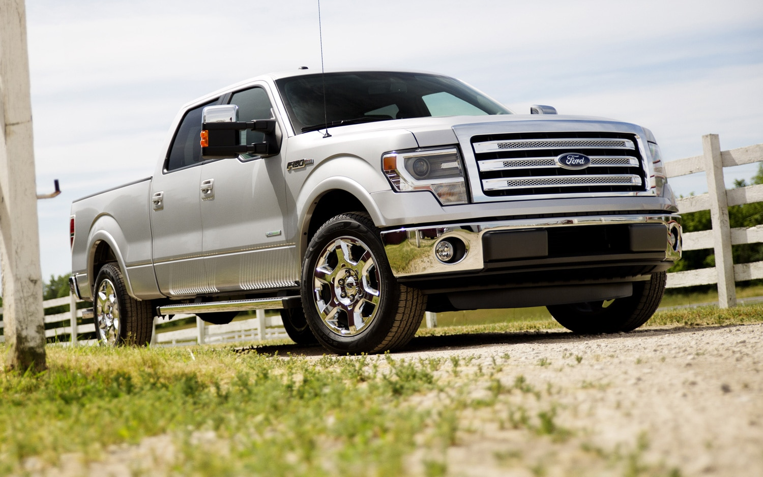 2013 Ford F 150 Lariat Crew Cab Right Front 11