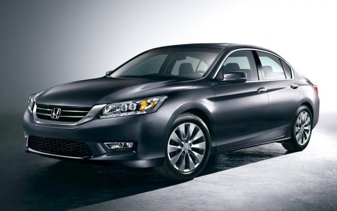 2013 Honda Accord Touring Sedan Front Three Quarter1 660x413