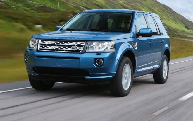2013 Land Rover LR2 Euro Spec In Motion Closer View1 660x413