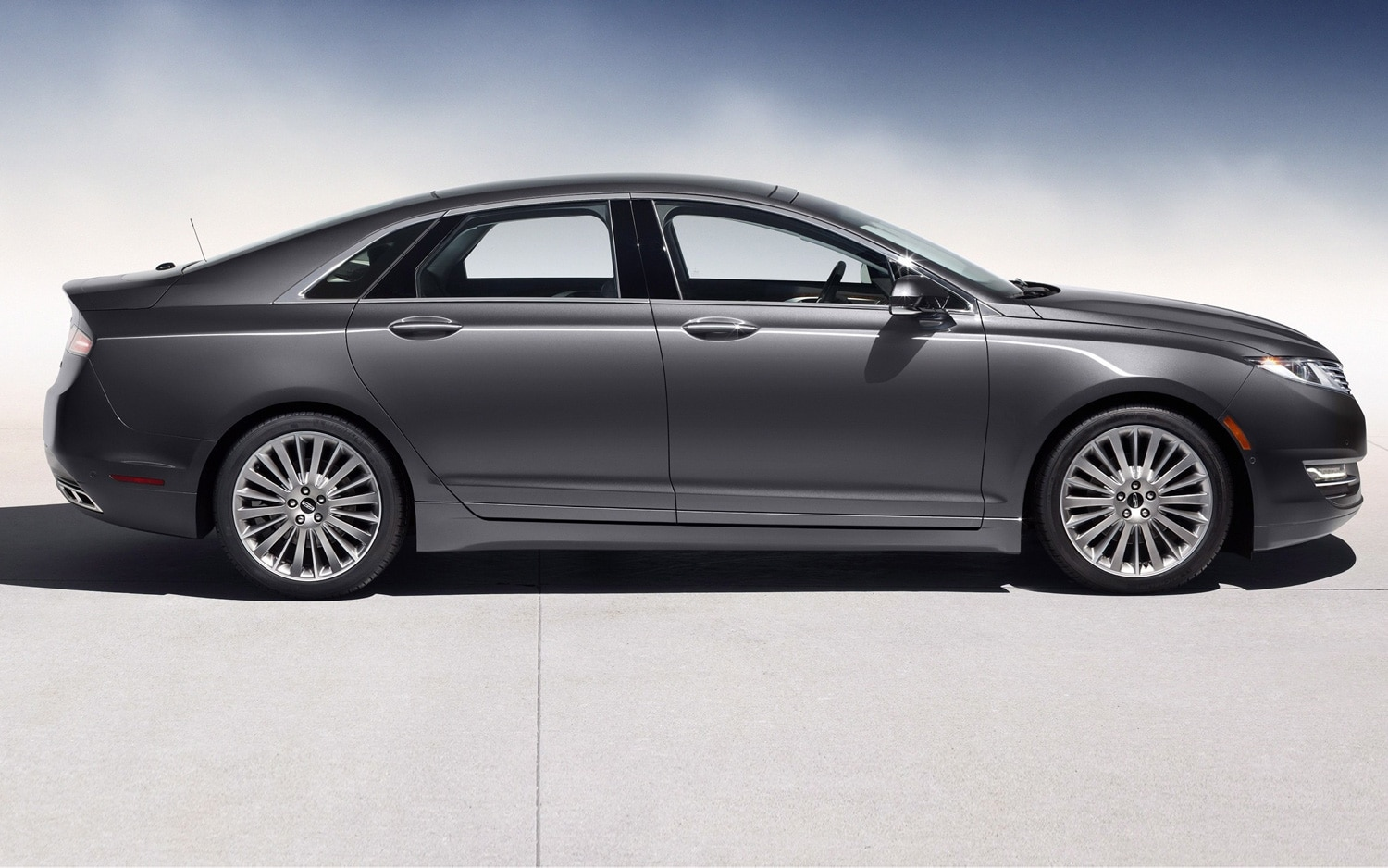 2013 Lincoln MKZ Profile1