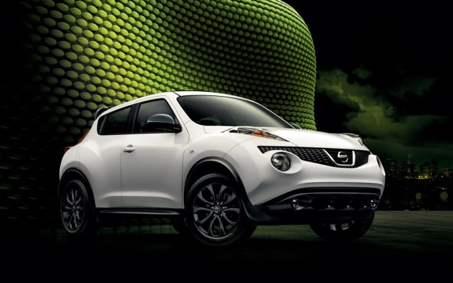 2013 Nissan Juke Midnight Edition White Front Three Quarter1 660x413