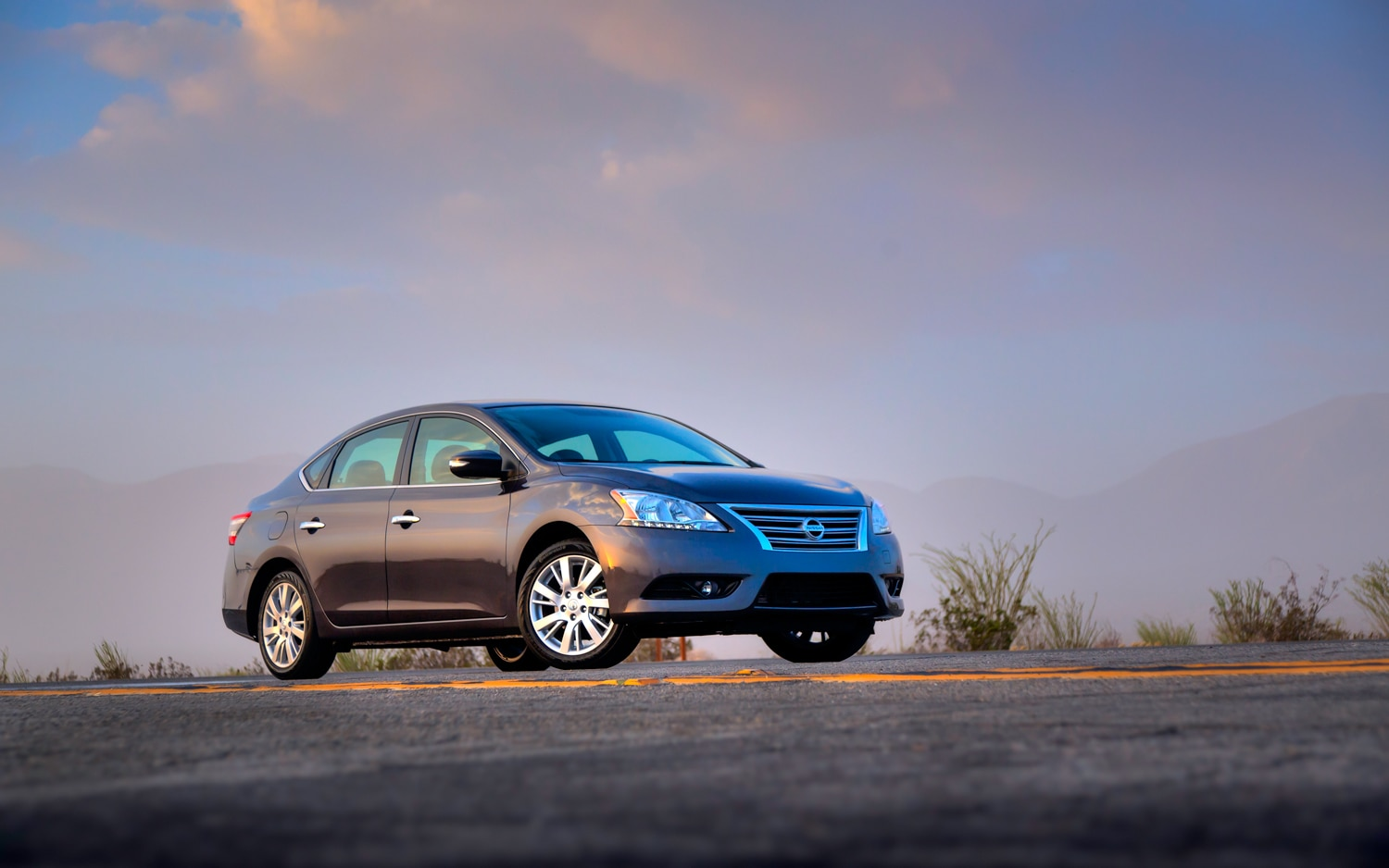 2013 Nissan Sentra Front Right Side View1