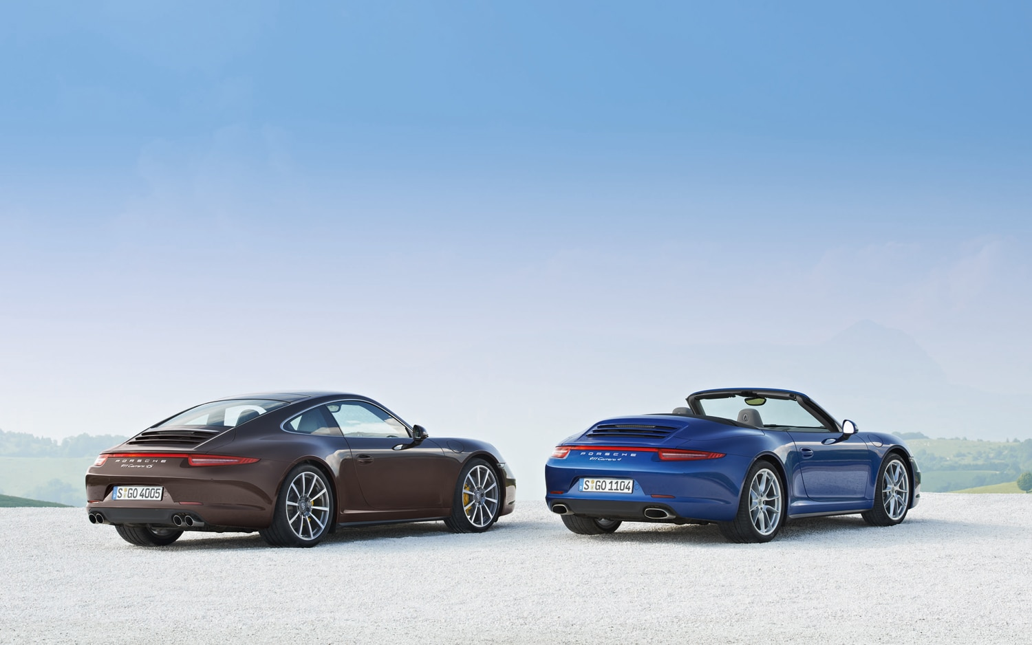2013 Porsche 911 Carrera 4S And Carrera 4 Rear Right View1