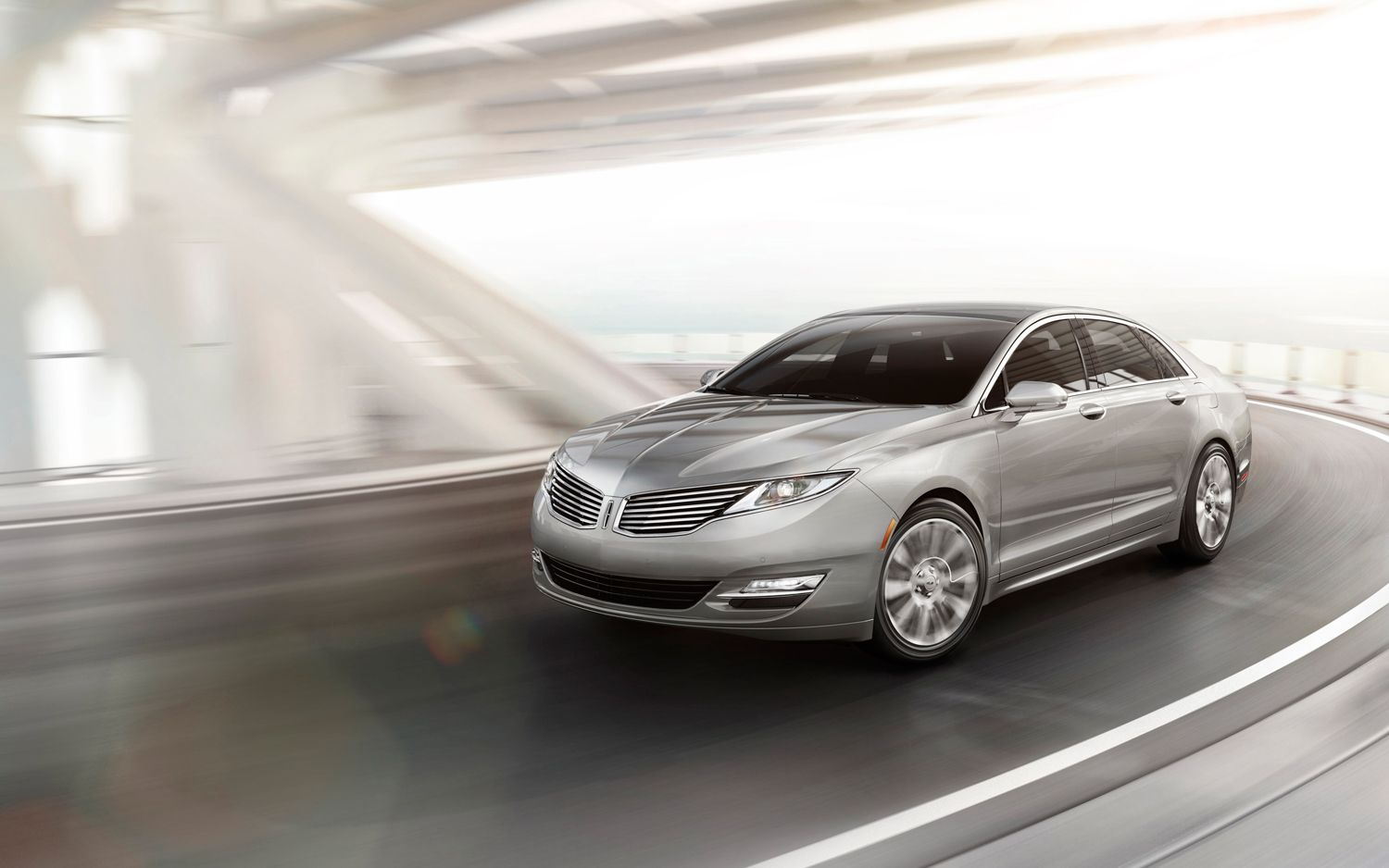 2013 Lincoln MKZ Front Left View1