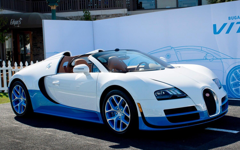 Bugatti Veyron Grand Sport Vitesse Front Three Quarter Live1