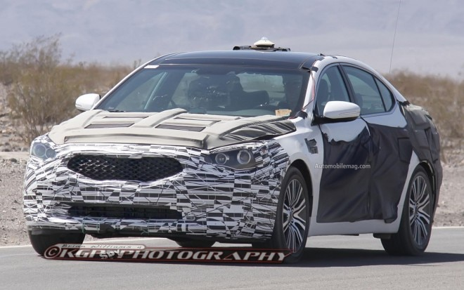 Kia Cadenza Spy Photo Front Three Quarter 21 660x413