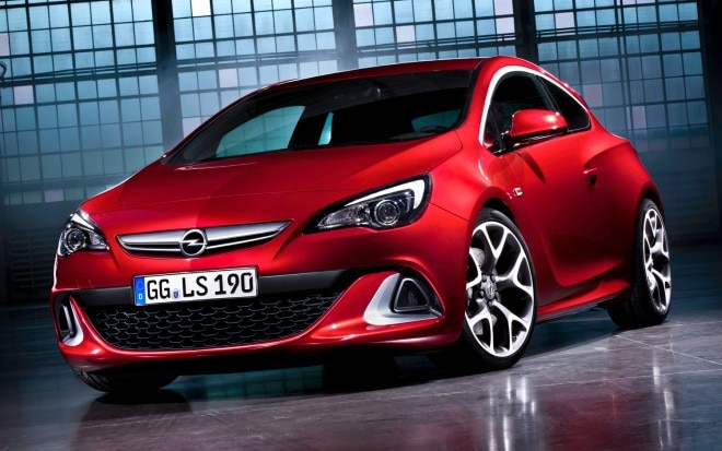 Opel Astra OPC Front Three Quarter 660x413