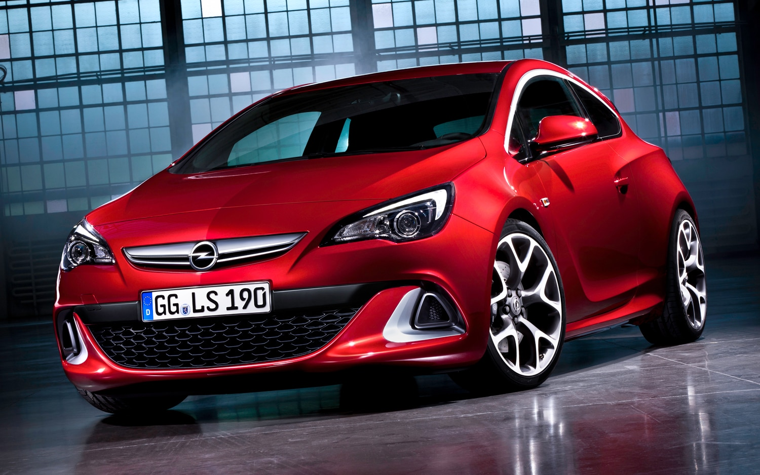 Opel Astra OPC Front Three Quarter