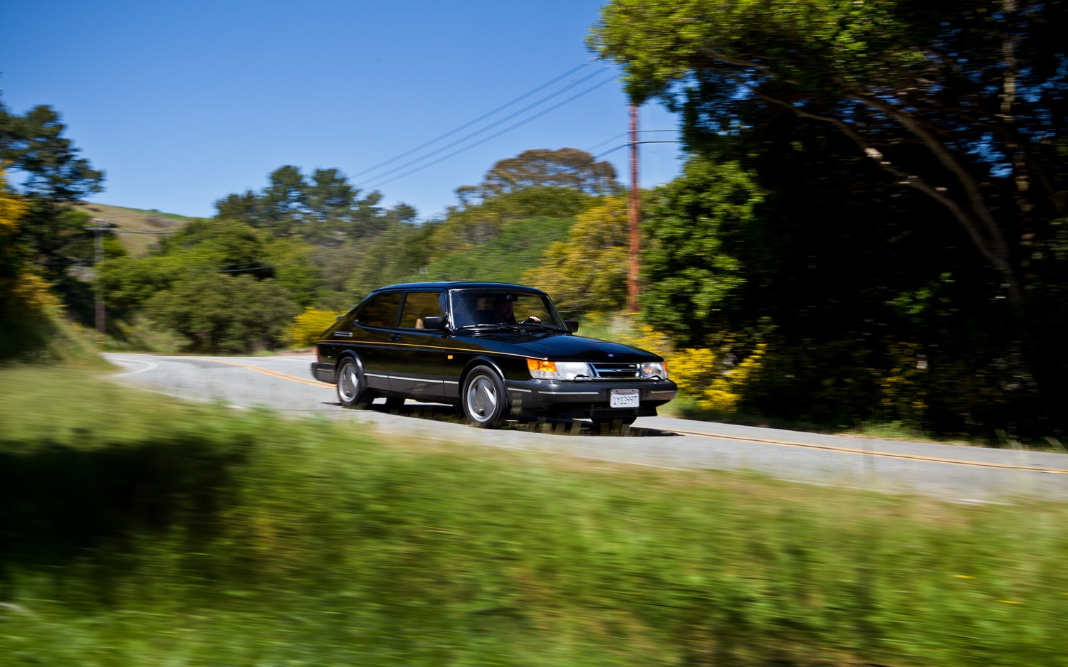 1979 1994 Saab 900 Front Right View1